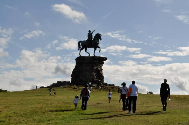 windsor-long-walk-monuments-3287-large